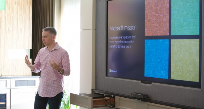 Microsoft từ bao cấp chuyển sang đổi mới