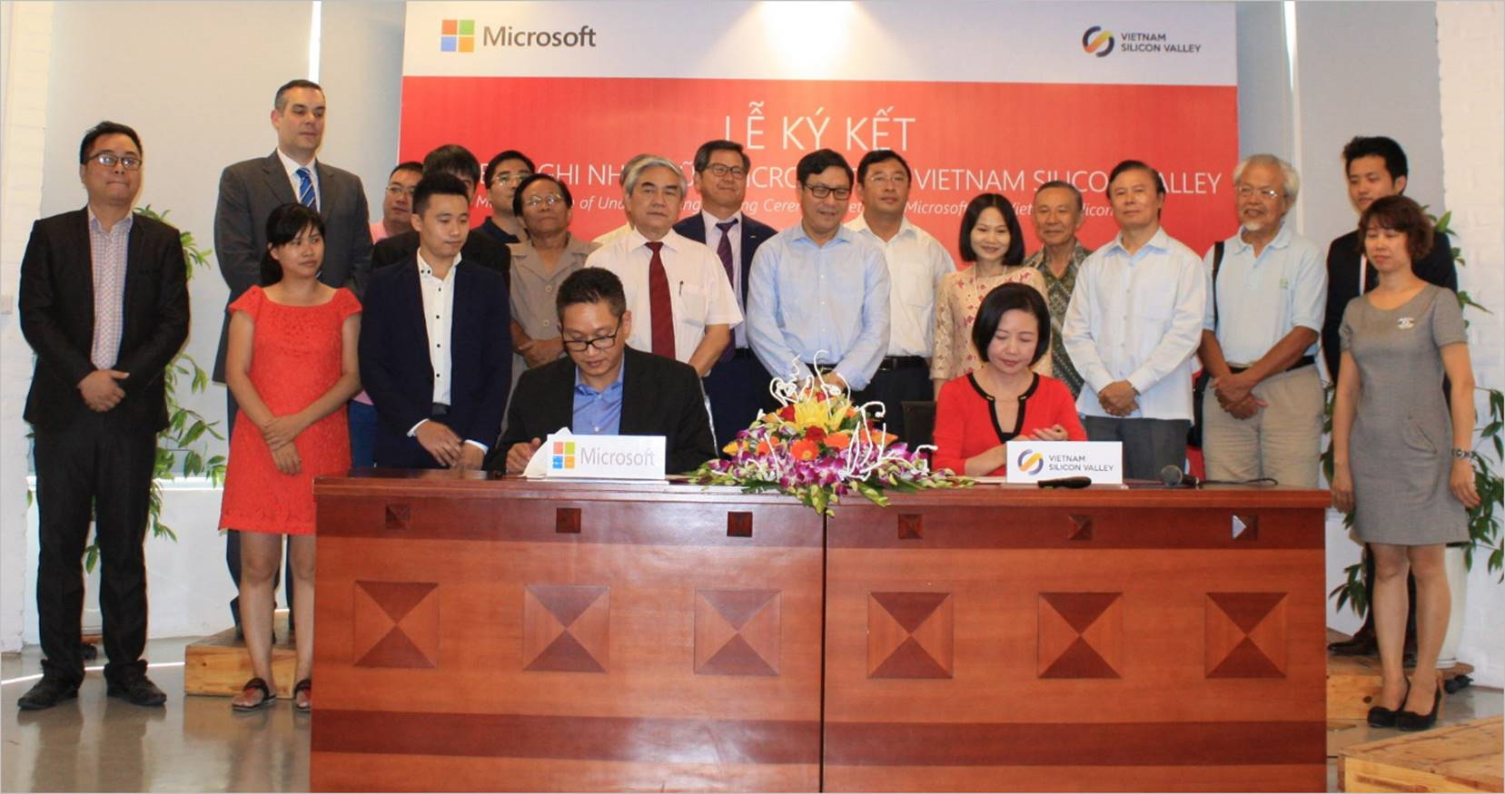 160926-microsoft-vietnam-silicon-valley-01