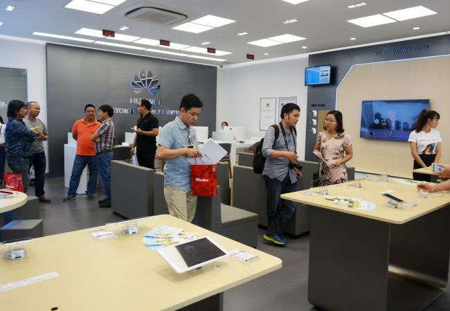 161105-huawei-services-centers-05_resize