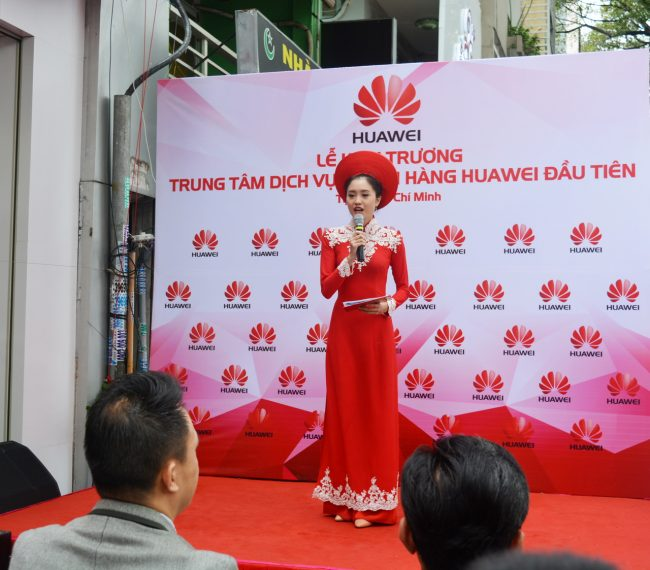 161105-huawei-services-centers-34_resize