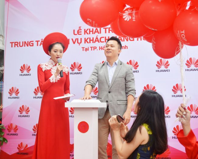 161105-huawei-services-centers-41_resize