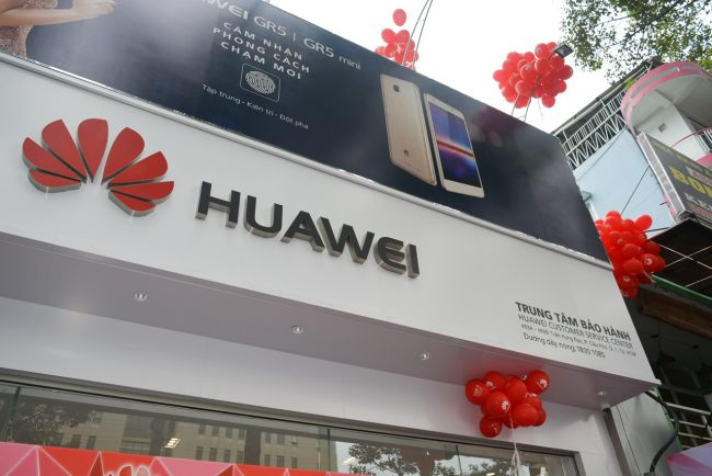 161105-huawei-services-centers-46_resize