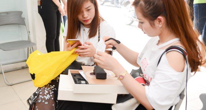 Smartphone Oppo F3 đã mở bán, phá kỷ lục của F1s về số lượng máy được đặt cọc trong một ngày