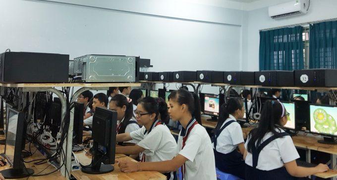 """Hơn 21.000 học sinh trung học cơ sở tham gia lập trình """"Thành phố thông minh"""""""