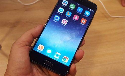 Bkav ra mắt smartphone Bphone 2017 giá 9.789.000 đồng.