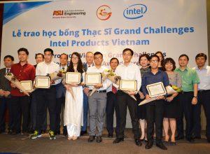 ALBUM: Nhà máy Intel Việt Nam trao học bổng thạc sĩ kỹ thuật cho nghiên cứu sinh Việt Nam
