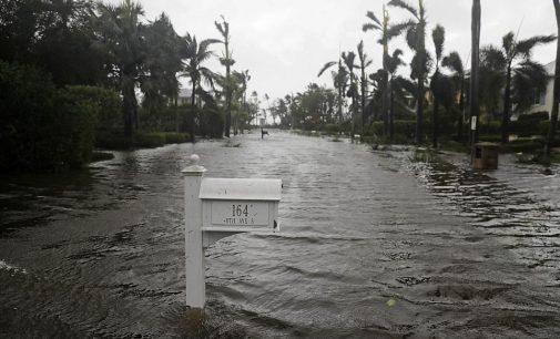 Florida phía đông thoát kiếp nạn, phía tây gặp tai ương