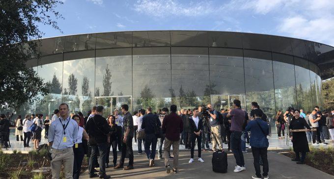 Apple ra mắt bộ iPhone thế hệ 2017