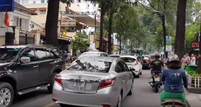 VIDEO: Ẻm lì đòn chớ hề run