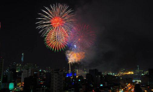 VIDEO: Saigon Đêm Pháo Hoa Happy New Year 2018
