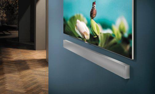 Loa thanh treo tường Samsung mỏng nhẹ hơn 41% và âm thanh 3D panoramic