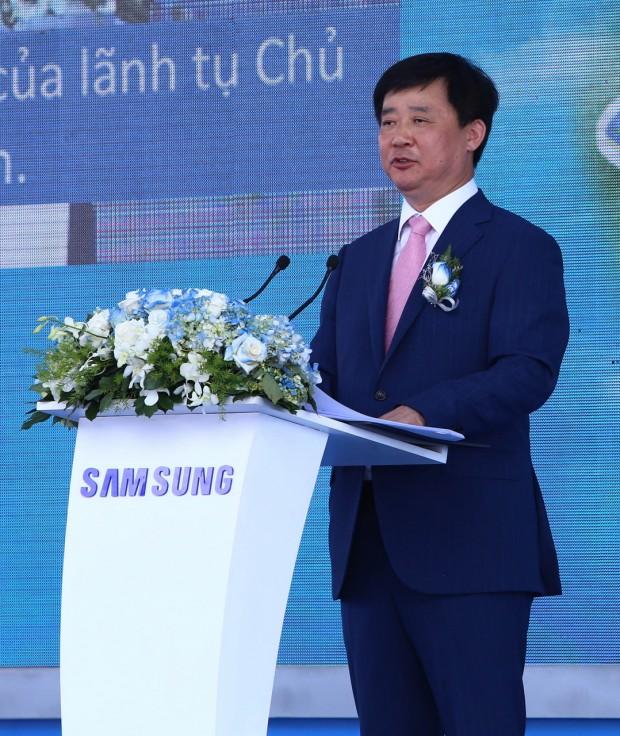 Mr Kim Jong Ho_Tong giam doc nganh hang dien tu gia dung Samsung_resize