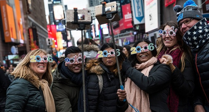 Happy New Year America 2016