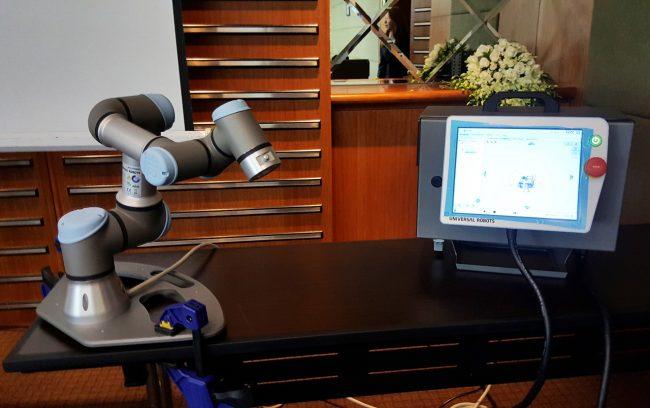 161006-universal-robots-001_resize