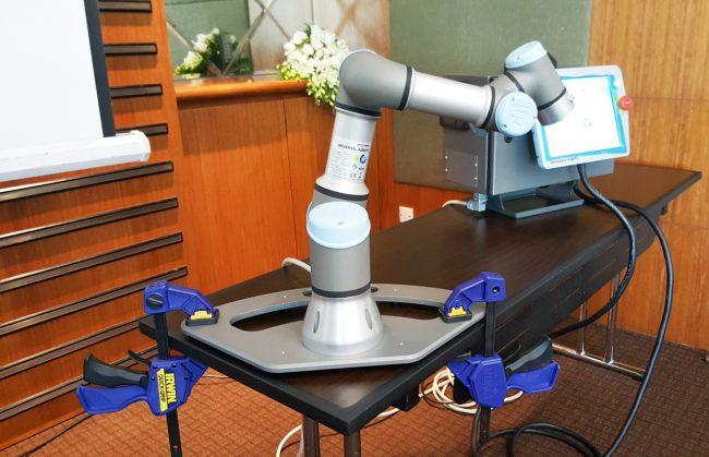 161006-universal-robots-004_resize