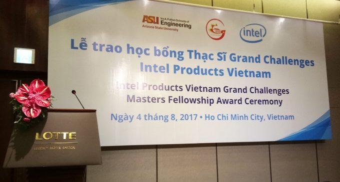 Nhà máy Intel Việt Nam trao học bổng thạc sĩ kỹ thuật cho nghiên cứu sinh Việt Nam