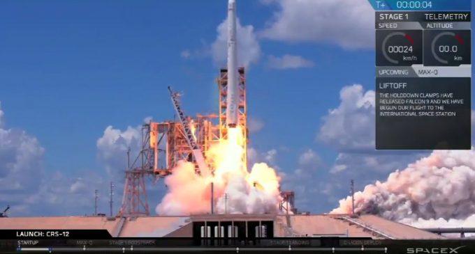 Phi vụ SpaceX CRS-12 mang siêu máy tính mới lên trạm quỹ đạo ISS