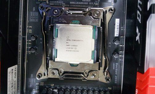 Chạy thử CPU Intel desktop mạnh nhất xưa nay