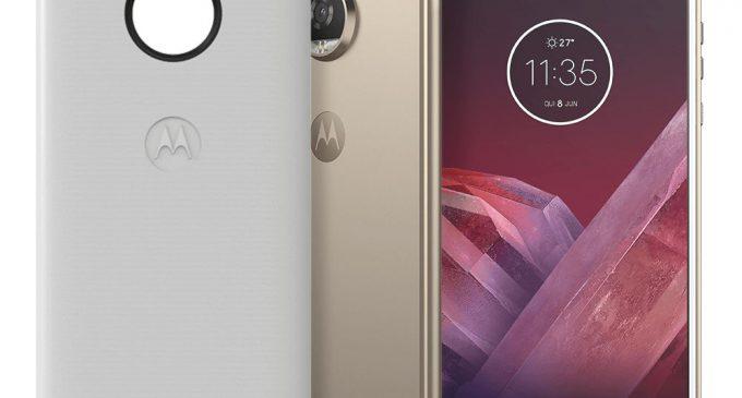 Smartphone Moto Z2 Play không lẫn vào đâu được