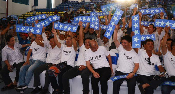 Uber tổ chức xe đưa 1.500 tài xế đối tác về quê ăn Tết