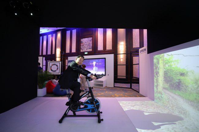 Epson trình diễn công nghệ máy chiếu laser tiên tiến tại Bangkok - 252244