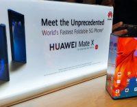Giáp mặt với chiếc smartphone 5G gập Huawei Mate X