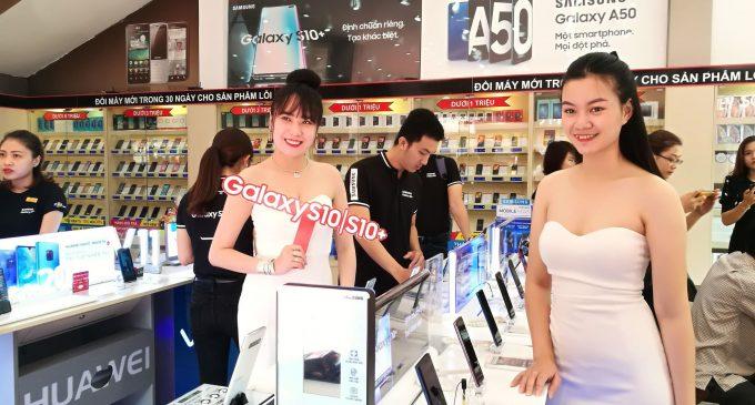 Samsung Galaxy S10 và S10+ với lượng đặt trước bán chạy nhất trong lịch sử gia đình Galaxy S tại Việt Nam