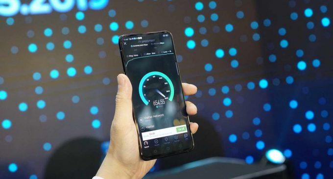 Điện thoại OPPO Reno 5G được sử dụng trong cuộc gọi 5G đầu tiên ở Việt Nam