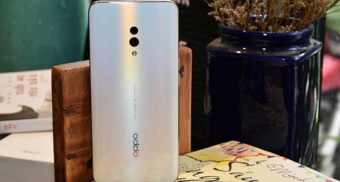 Trên tay smartphone OPPO K3 mở bán tại Việt Nam