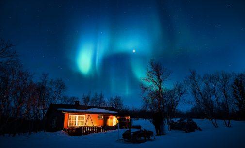 """Những điểm đến tuyệt vời để """"săn"""" Bắc cực quang"""