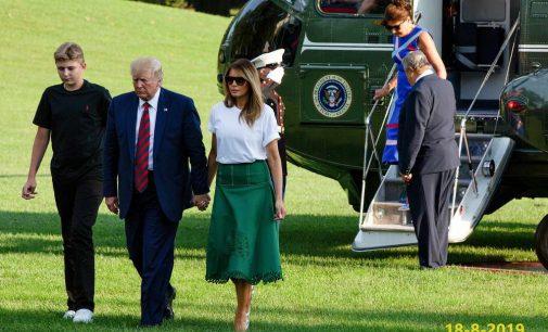 Vậy là con trai út của ông Trump đã cao hơn cha