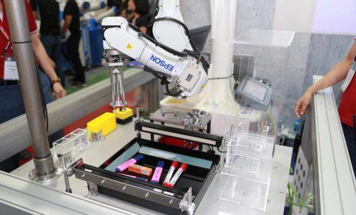 Epson lần đầu tiên giới thiệu các giải pháp robot công nghiệp tại Việt Nam