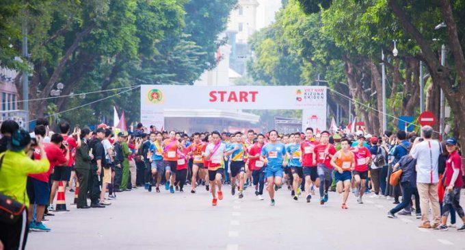 Epson Việt Nam đồng hành cùng Giải chạy tiếp sức Kizuna Ekiden 2019 cổ vũ an toàn giao thông
