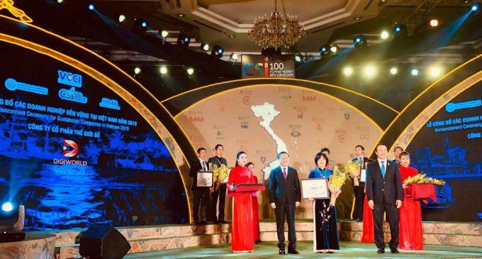 4 năm liên tiếp Digiworld nhận giải TOP 100 Doanh nghiệp Phát triển Bền vững Việt Nam