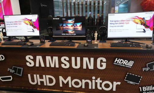 Ra mắt màn hình UHD Samsung UR55 series tại Việt Nam