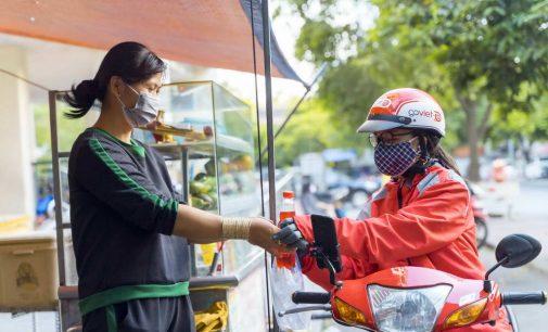 GoViet hỗ trợ cả trăm ngàn bữa ăn và tặng phiếu mua hàng cho các đối tác tài xế