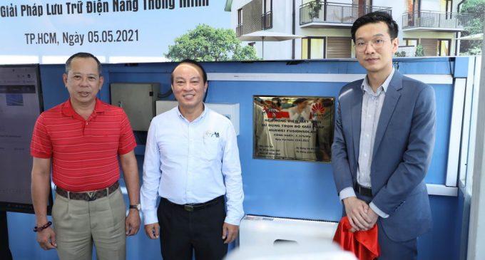 Huawei ra mắt dự án điện mặt trời áp mái hộ gia đình đầu tiên sử dụng bộ lưu trữ thông minh ở Việt Nam